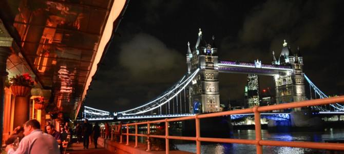 タワーブリッジ周辺で夜景をみながらディナー in ロンドン