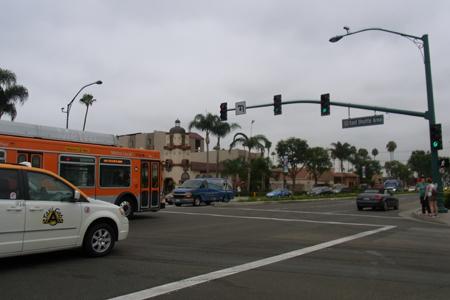 California_disney_bus_2