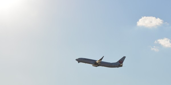 飛行機の機内での快適な過ごし方