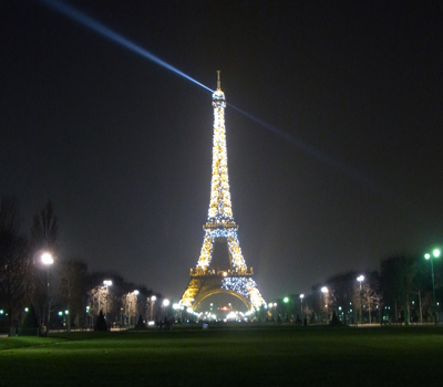 Eiffel_Tower_1
