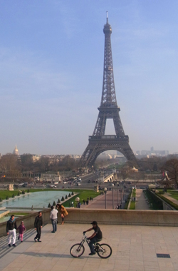 Eiffel_Tower_4