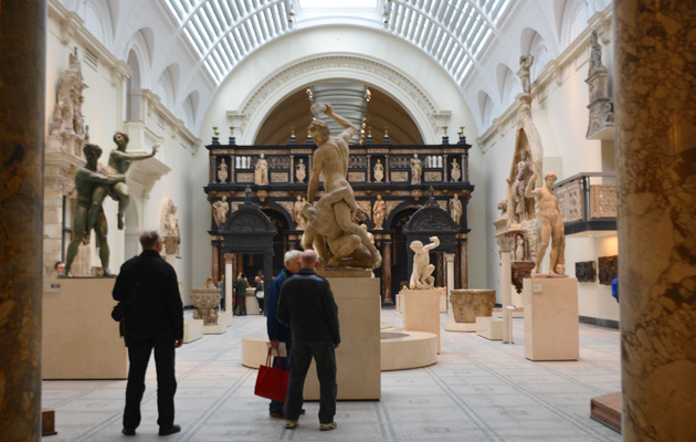 v_and_a_7