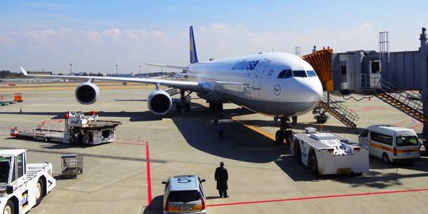 LCCの飛行機が遅延してHP通りの時間に空港に行ったら乗り遅れた!