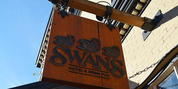 SWANS HOTEL, BREWERY & PUB(スワンズ ブルワリー パブ & ホテル)でビール飲んできた! in ビクトリア