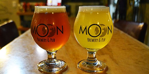The moon brew pub でビールを飲んできた in ビクトリア
