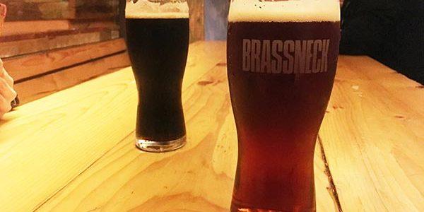 BRASSNECK(ブラスネック)でビール飲んできた in バンクーバー