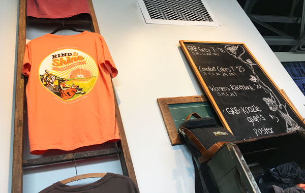 Grove Roots Brewing Tシャツ