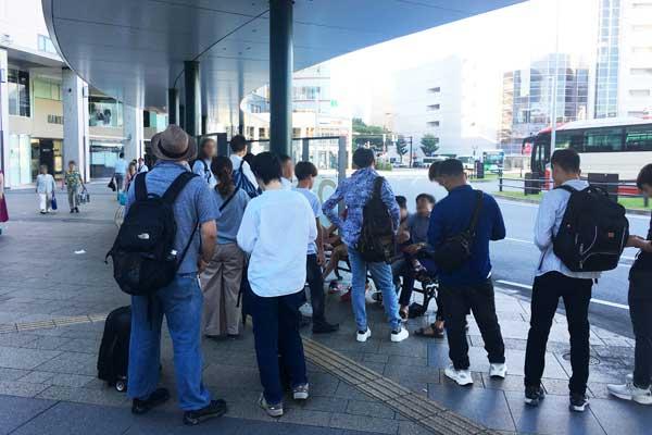 富山駅バスロータリー