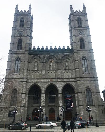 アルム広場からのノートルダム聖堂
