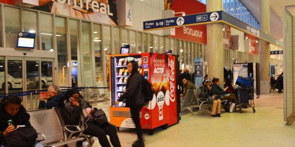 モントリオールのバスターミナル(Gare d'autocars de Montréal)からバス移動してきた   in カナダ